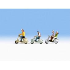 רוכבי קטנועים