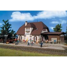 """דגם של תחנת רכבת בעירה קטנה """"Tonbach"""""""