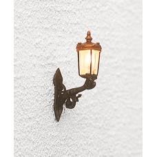גוף תאורה להתקנה על קיר בית