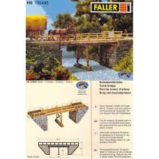 דגם של גשר עץ