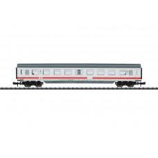 קרון נוסעים מחלקה שניה של רכבת מהירה Intercity של רכבת גרמנית (DB AG)